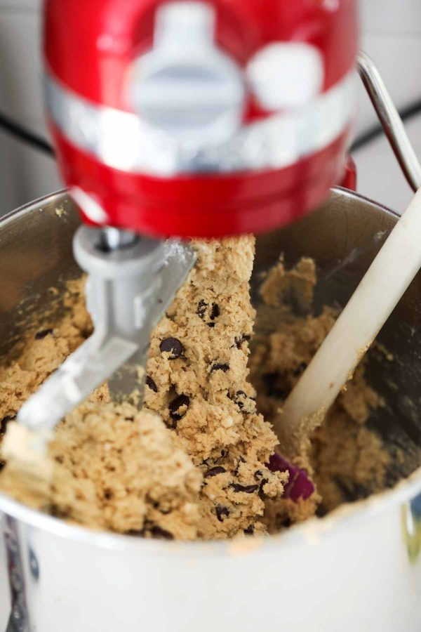 Ingredients in Peanut Butter Oatmeal Cookies with Chocolate Chips