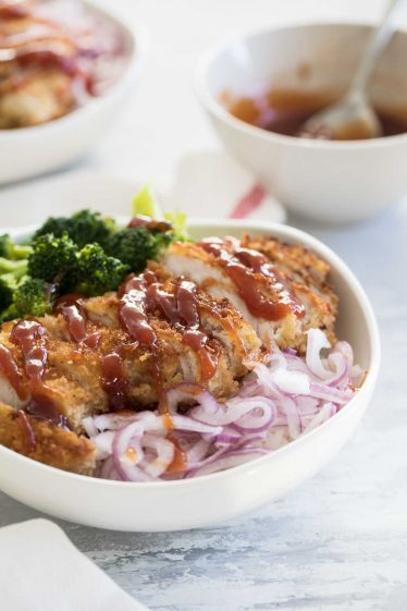 Rice bowls with sweet and sour pork