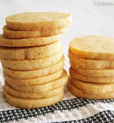 Cheddar Cornmeal Icebox Crackers from www.tasteandtellblog.com