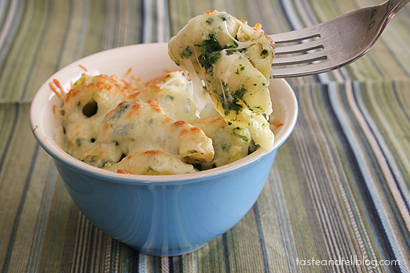 Spinach and Artichoke Tortellini Bake | www.tasteandtellblog.com