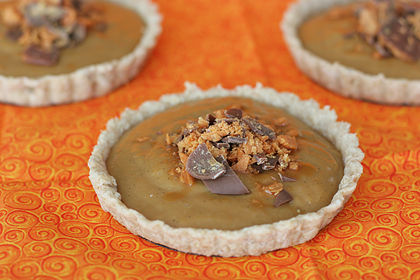 Butterscotch Pudding Tarts | www.tasteandtellblog.com
