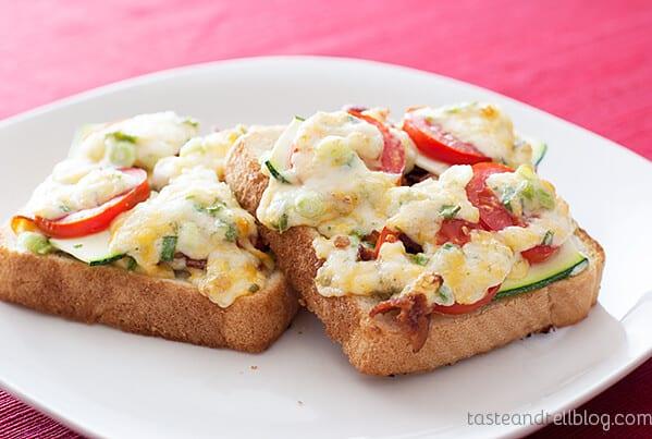 Bacon-Tomato Cheese Toasts on www.tasteandtellblog.com
