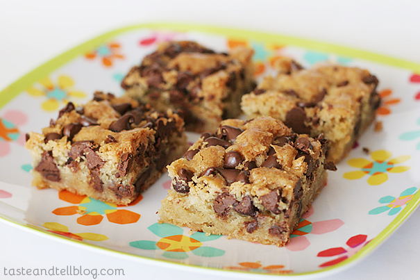 Blondies with Chocolate Chips | www.tasteandtellblog.com