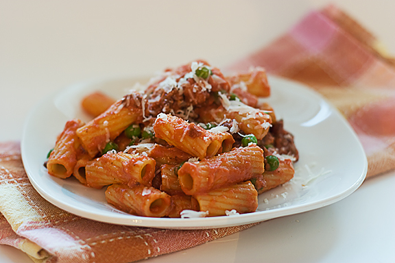 Rigatoni wtih Sausage, Peas, Tomatoes and Cream