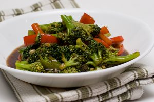 Broccoli with Garlic Sauce | www.tasteandtellblog.com