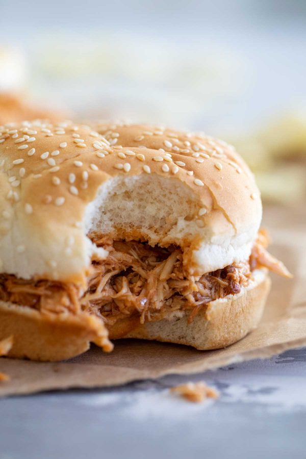 Crock Pot Pulled Chicken Sandwiches
