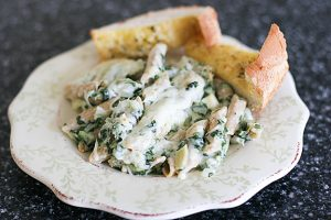 Spinach and Artichoke Mac n Cheese | www.tasteandtellblog.com