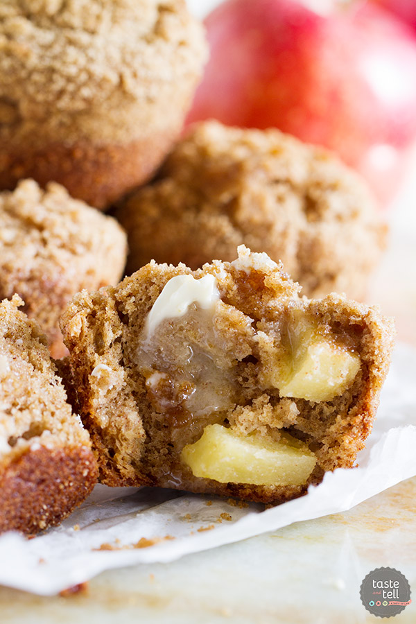 With the perfect amount of cinnamon, little pockets of apples, and a sweet crumb topping, these Apple Cinnamon Muffins are the perfect way to start your day.