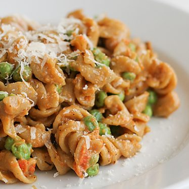 Peas and Carrots Pasta | www.tasteandtellblog.com