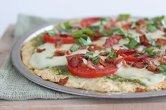 Caprese Pizza with Crispy Bacon | www.tasteandtellblog.com