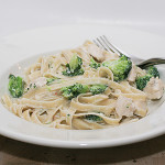 Easy Chicken and Broccoli Alfredo | www.tasteandtellblog.com