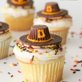 Thanksgiving Cupcakes Topped with Pilgrim Hats