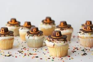 Thanksgiving Pilgrim Hat Cupcakes | www.tasteandtellblog.com