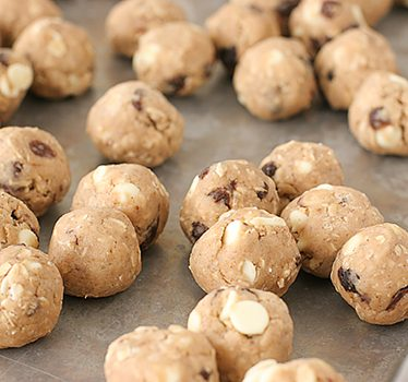 Freezing Cookie Dough | www.tasteandtellblog.com