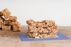 Chewy-tropical-granola-bars-recipe