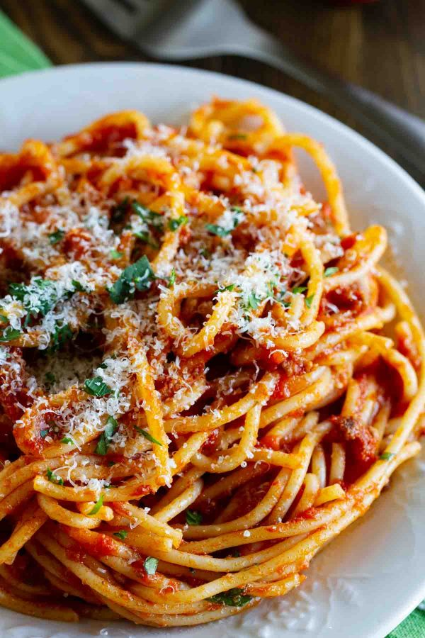 Easy Spaghetti Meat Sauce Recipe - Taste and Tell