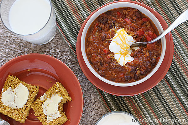 Slow Cooker Pumpkin Chili | Fall Recipes That Aren't Boring | Homemade Recipes
