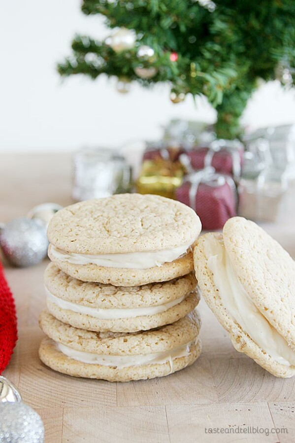 Christmas Ginger Cookies - Lightly spiced ginger cookies are filled with a maple cream cheese filling for the perfect Christmas cookie.