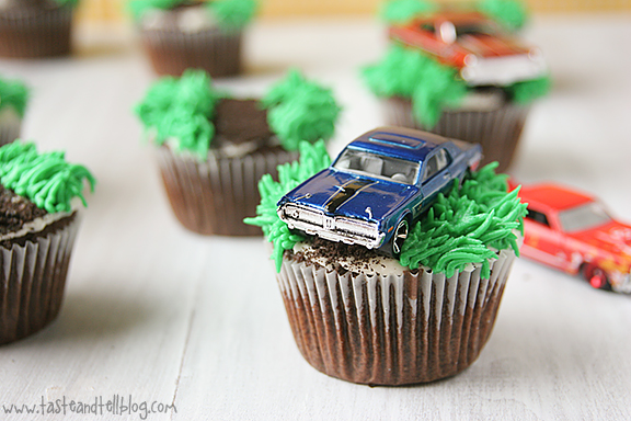 toy racecar with Racecar Cupcakes on Coloring Pages Race Cars further 221933849346 likewise 790263 also Racecar Cupcakes in addition Watch.