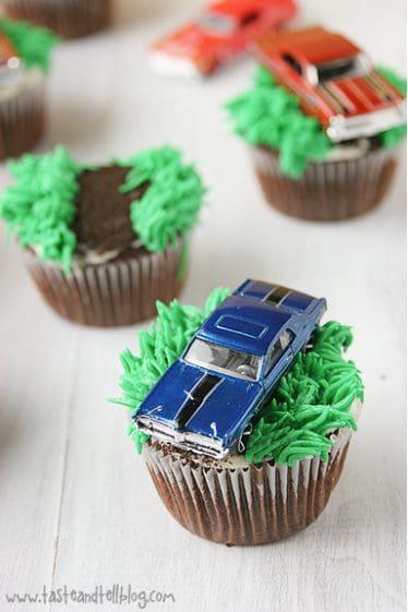 Racecar Cupcakes | www.tasteandtellblog.com