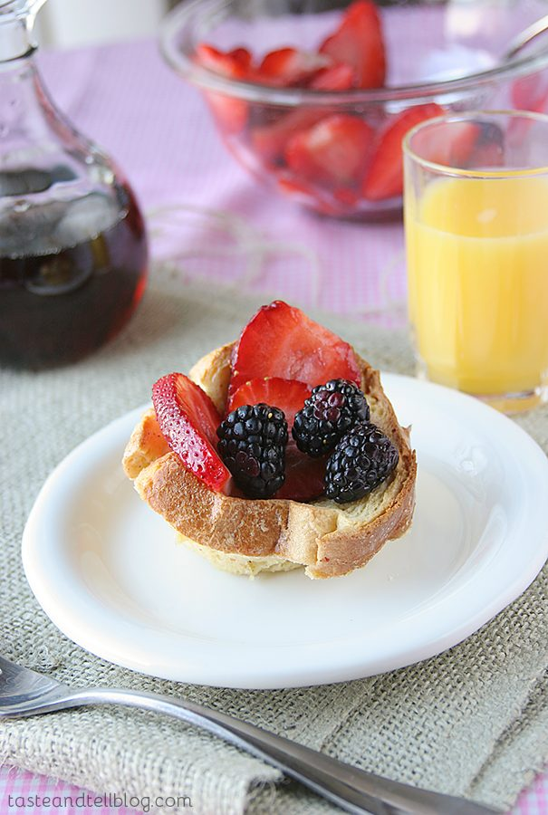 Berry Tasty Breakfast Cups {Saturdays with Rachael Ray}