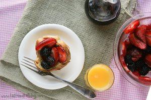 Berry Tasty Breakfast Cups   www.tasteandtellblog.com