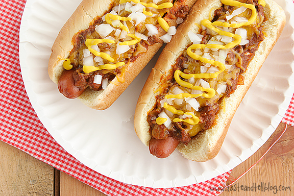 coney island hot dogs saturdays with rachael ray taste and tell. Black Bedroom Furniture Sets. Home Design Ideas
