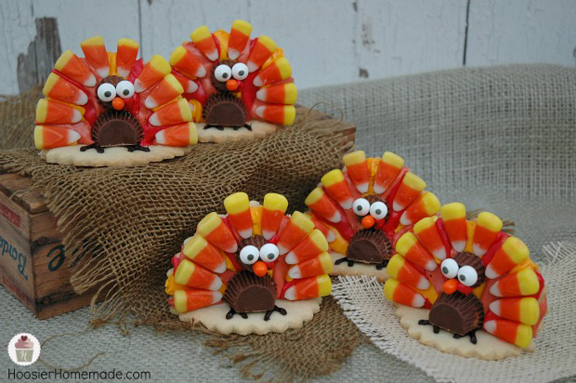 Turkey Cookies - find full recipe and tutorial at http://hoosierhomemade.com/turkey-cookies-for-thanksgiving/