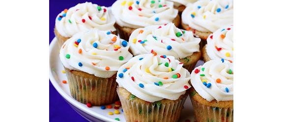 Funfetti Cupcakes | Gimme Some Oven