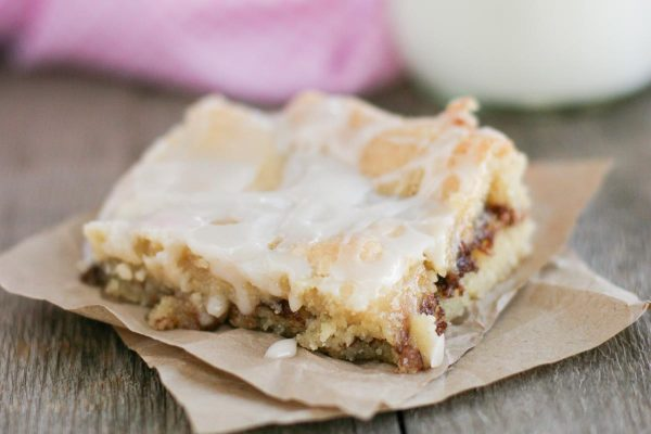 Snickerdoodle Bars: A homemade bar filled with cinnamon goodness – perfect for snickerdoodle lovers!