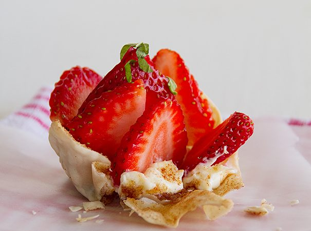 Strawberry Wonton Cups | www.tasteandtellblog.com
