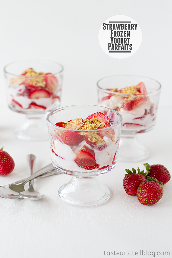 Strawberry Frozen Yogurt Parfaits