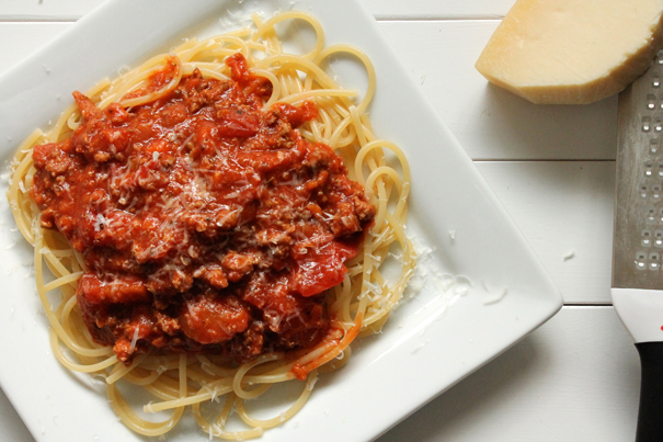Easy Meaty Spaghetti Sauce from Eat Your Heart Out