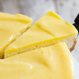 Lemon Cheesecake with Cookie Crust