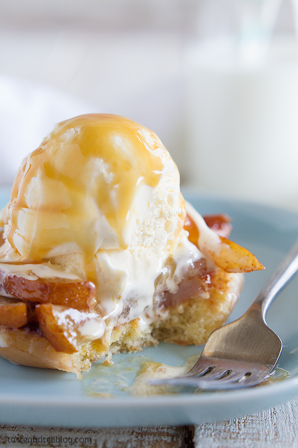 Delicious Grilled Doughnut and Pear Sundae Recipe