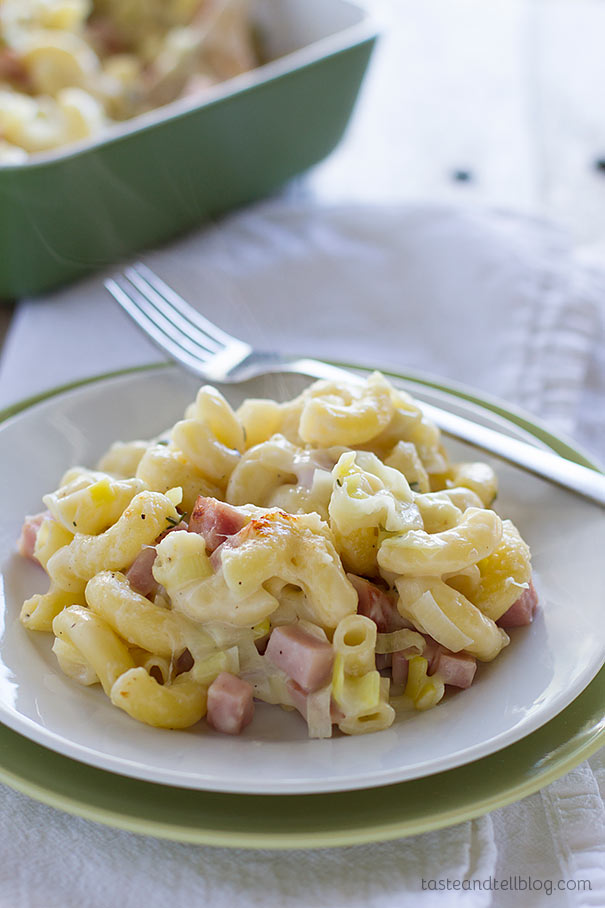 Homemade Macaroni and Cheese Recipe with Ham and Leeks - a macaroni and cheese recipe that the whole family will love!