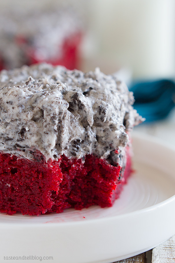 Cake With Cream Frosting : Red Velvet Sheet Cake Recipe with Cookies and Cream ...