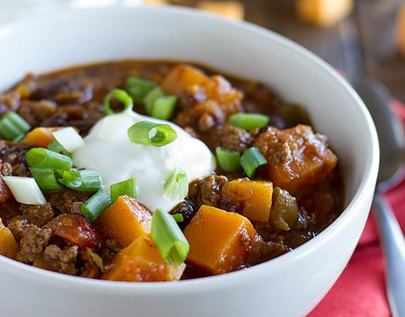 Butternut Squash Chili with Beef - Butternut squash, black beans, and ground beef star in this flavor packed Butternut Squash Chili with Beef.