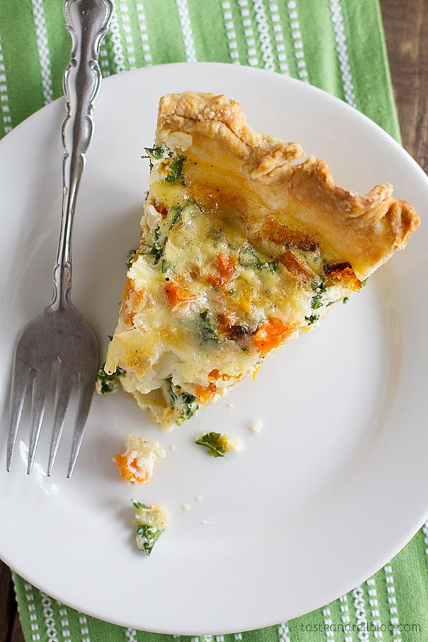 Quiche Recipe with Butternut Squash and Kale - a delicious quiche recipe is filled with roasted butternut squash and kale in this brunch recipe that was a hit!