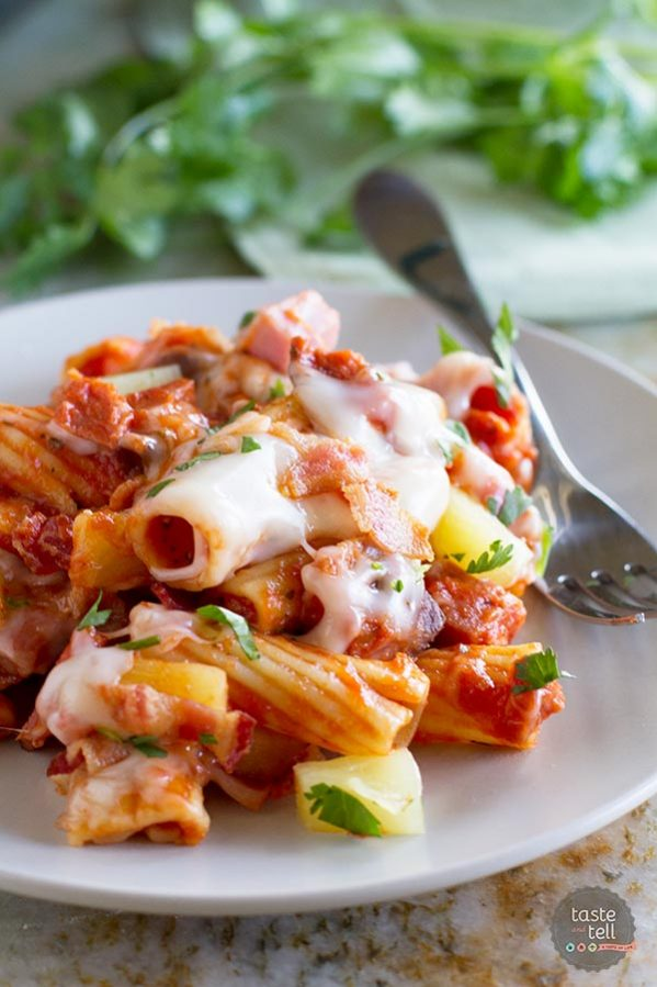 You only need one pan to make this Hawaiian pizza inspired Hawaiian One Pan Pasta.