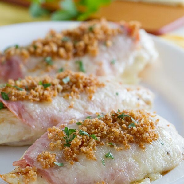 Easy Chicken Cordon Bleu on www.tasteandtellblog.com