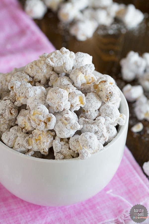 Muddy Buddy Popcorn – Party Popcorn Review