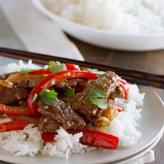 Quick and easy dinner - Steak Stir Fry Recipe with Peppers on tasteandtellblog.com