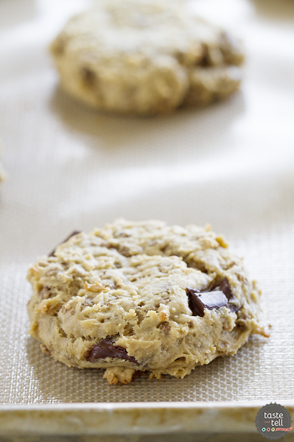 Breakfast Cookies with Peanut Butter, Banana, and Chocolate Granola - breakfast never looked so good!
