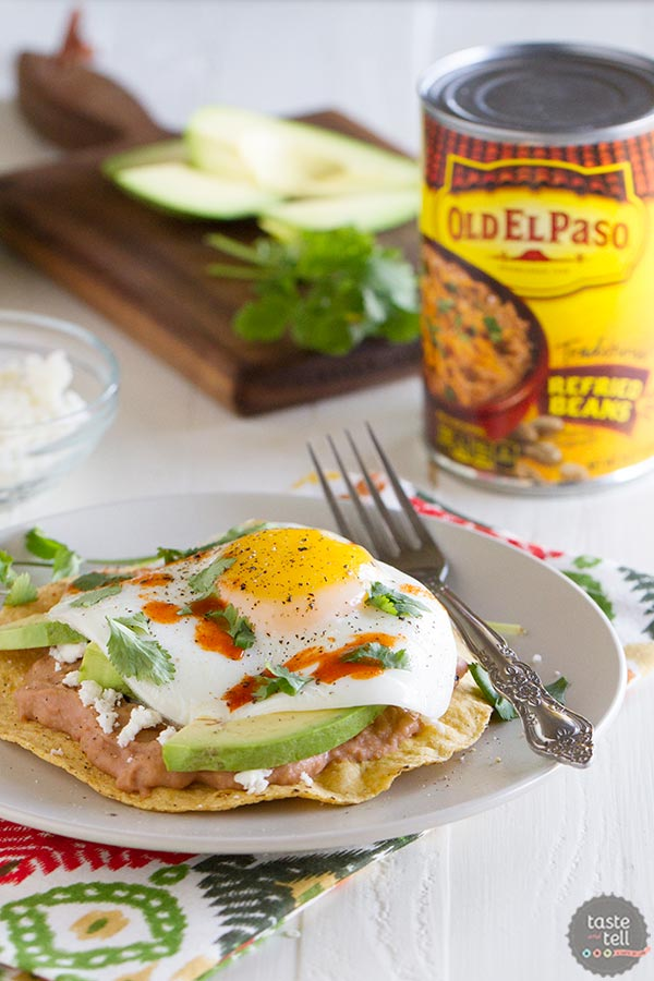 These Easy Breakfast Tostadas make a quick breakfast or lunch!