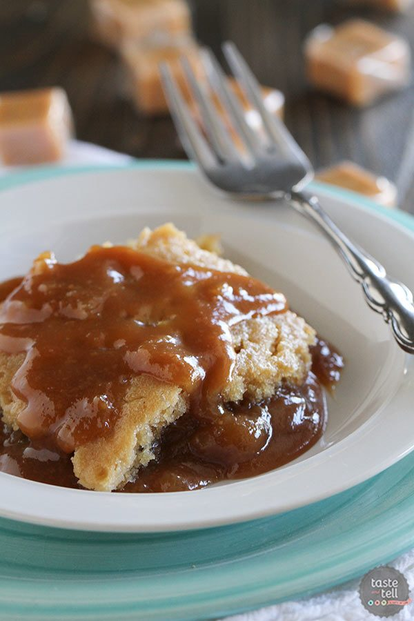 Gooey Slow Cooker Caramel Blondies | Easy Everyday Slow Cooker Recipes Review