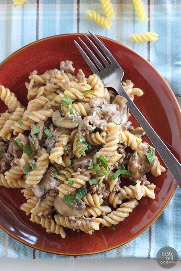 One pot ground beef stroganoff taste and tell for Good dinner recipes with ground beef