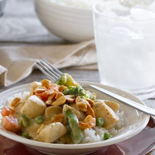 Peanut sauce doesn't have to be reserved for satay - this Peanut Chicken Stir Fry has a coconut milk and peanut sauce, lean chicken breasts, and lots of veggies.