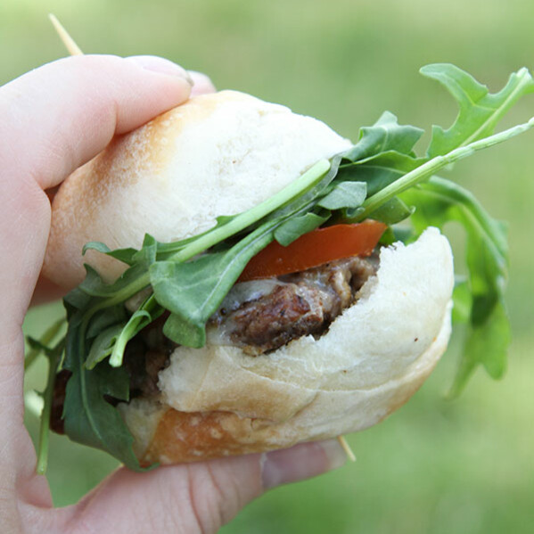 Savour - Utah food truck making fresh, homemade food, specializing in sliders with seasonal ingredients.