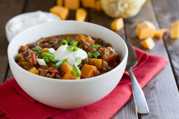Butternut squash, black beans, and ground beef star in this flavor packed Butternut Squash Chili with Beef.
